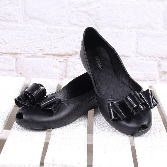 Czarne baleriny gumowe z kokardką ZAXY GLAM FEM 82259
