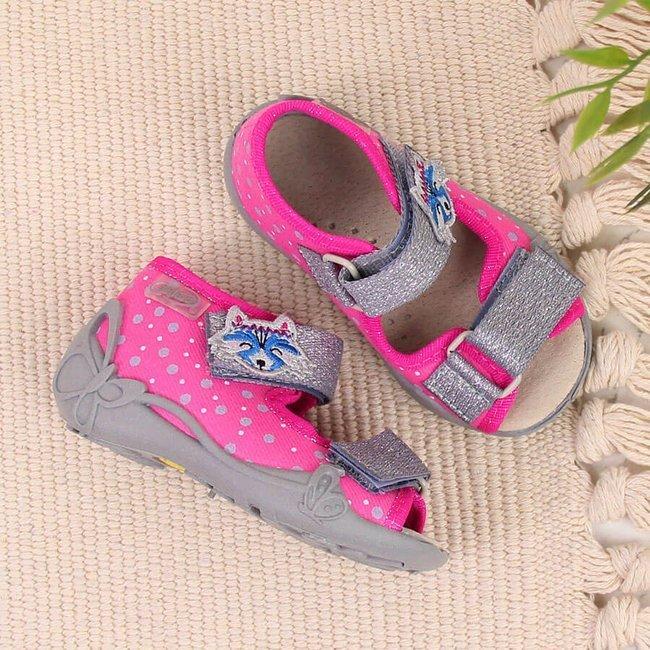 Kapcie dziewczęce do przedszkola na rzepy różowe Befado