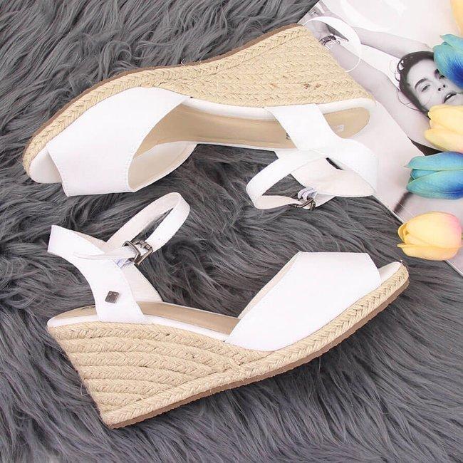Sandały damskie espadryle na koturnie białe Big Star HH274833