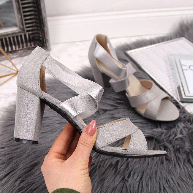 Sandały damskie na gumki srebrne Filippo