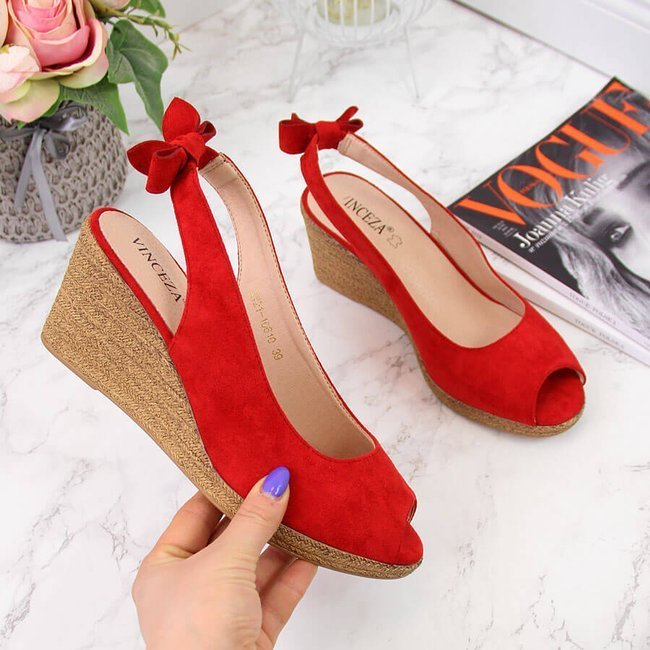 Sandały damskie na koturnie z kokardką czerwone Vinceza