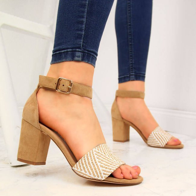 Sandały damskie na słupku beżowe eVento