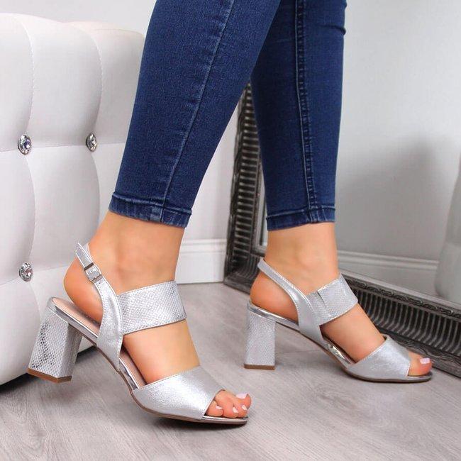 Sandały damskie na słupku srebrne Vinceza