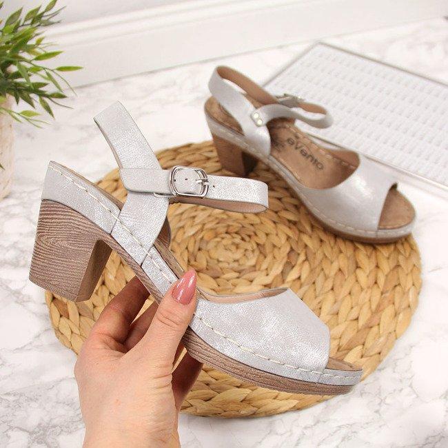 Sandały damskie na słupku szare z połyskiem eVento