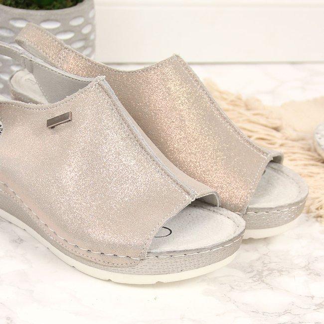 Sandały damskie skórzane na koturnie złote Filippo