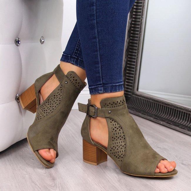 Sandały damskie zabudowane na klocku khaki T.Sokolski