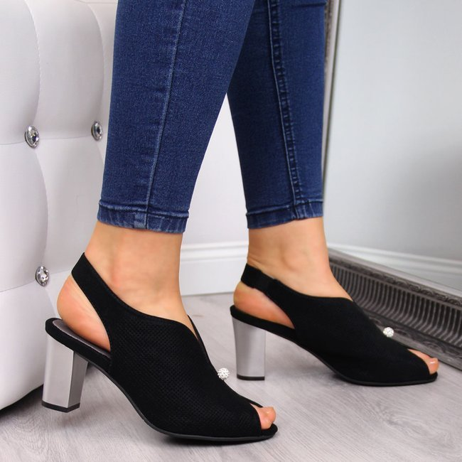 Sandały damskie zabudowane na słupku czarne Jezzi