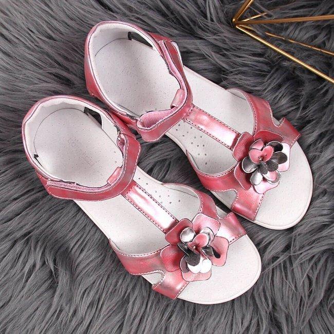 Sandały dziewczęce z kwiatkiem na rzepy różowe Kornecki 4319