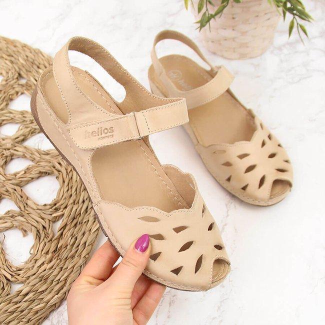 Sandały skórzane damskie na koturnie beżowe Helios 4011