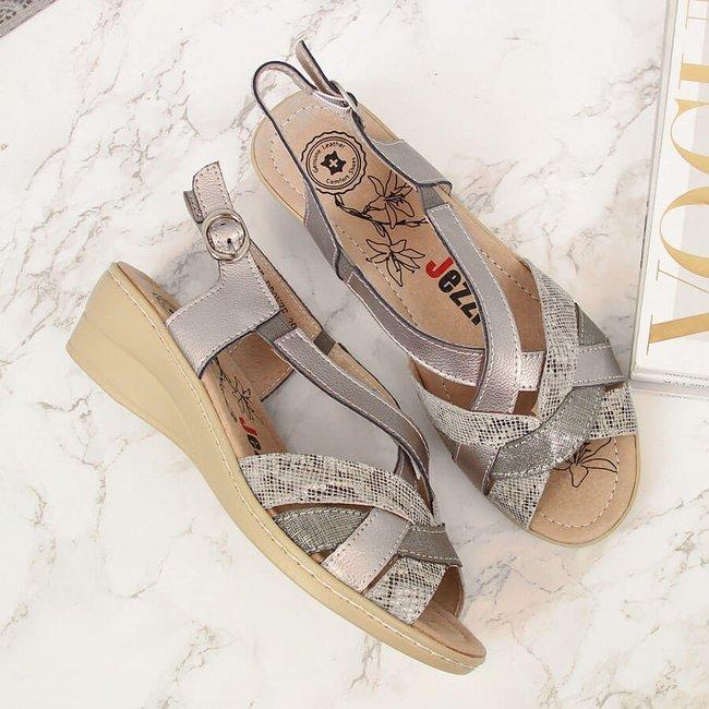 Sandały skórzane damskie na koturnie srebrne Jezzi